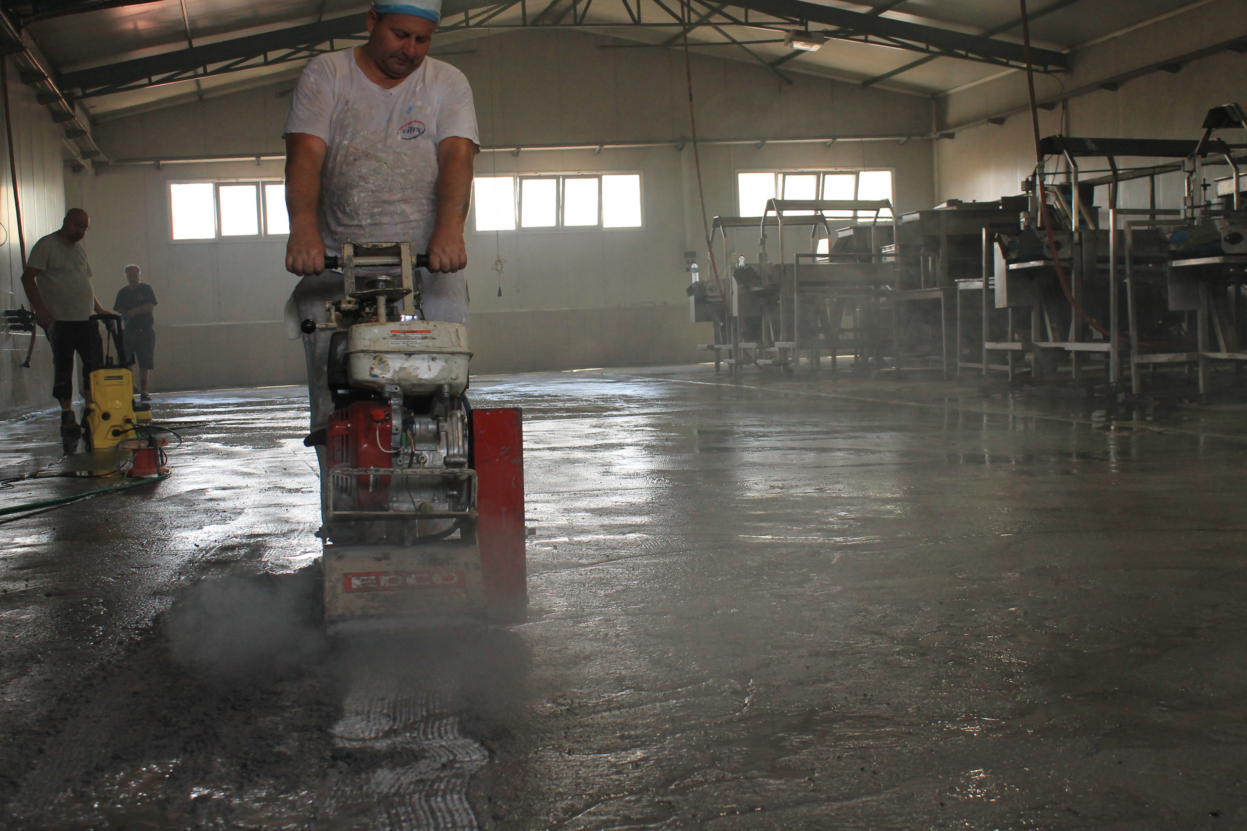 Surface Preparation in Epoxy Flooring: Explaining the different